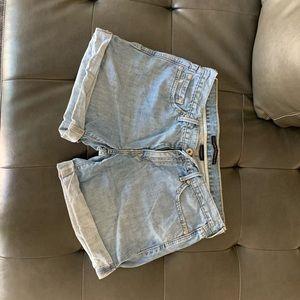 Levi Boyfriend Shorts